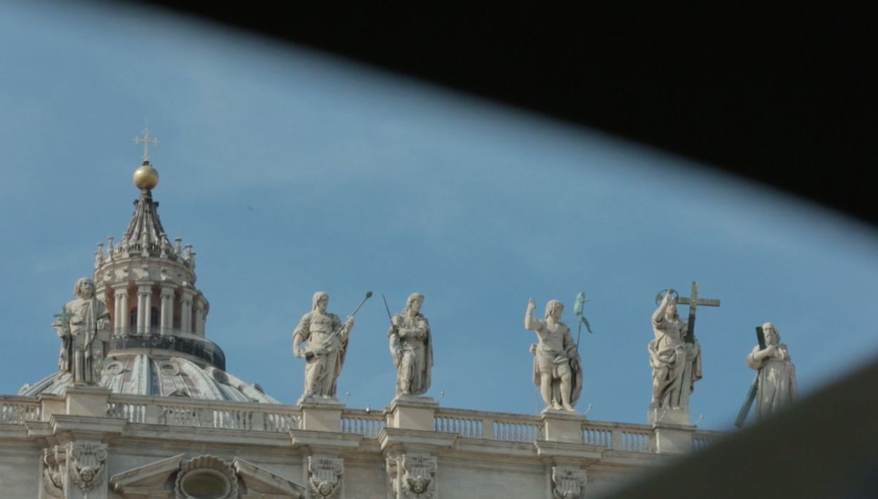 Afbeelding van Extra video: Vier kardinalen uit de adviesraad van de paus beschuldigd van beschermen pedofiele priesters