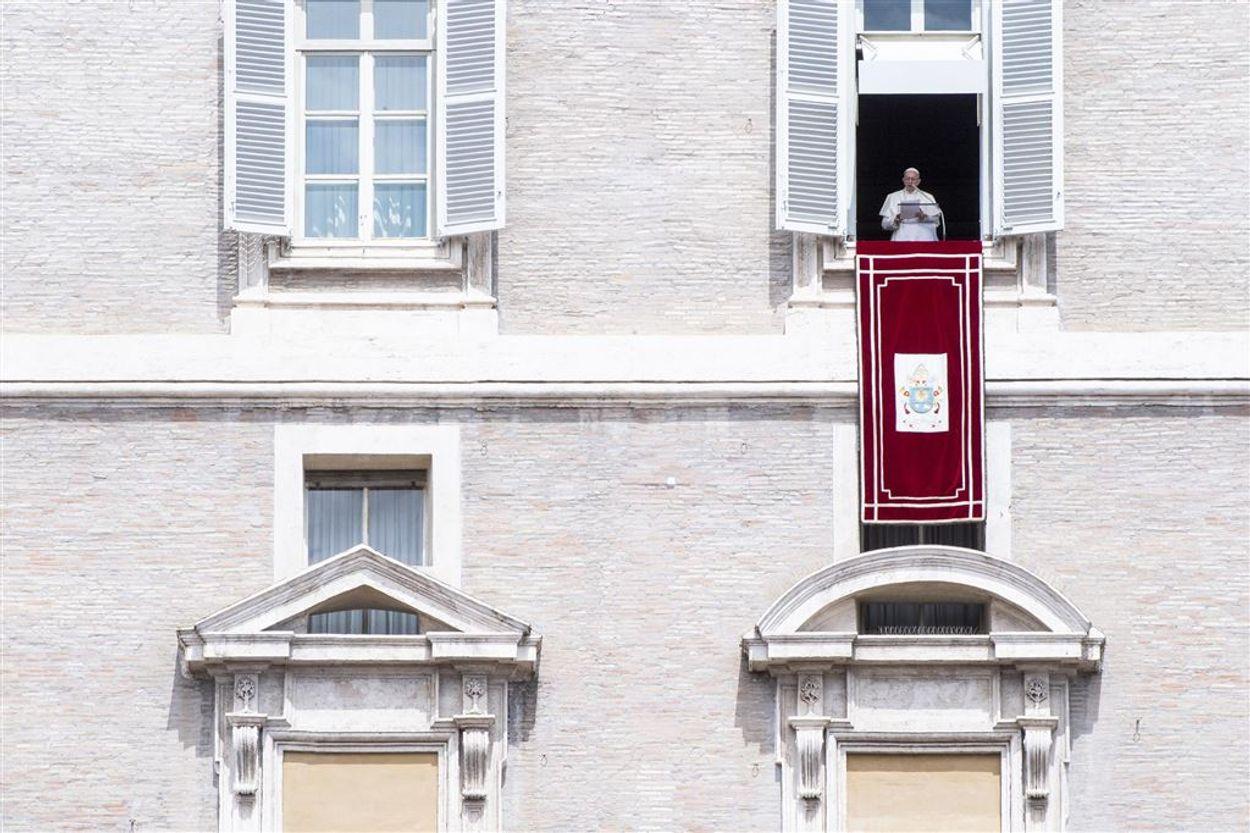 Afbeelding van Vaticaan reageert geschokt op kindermisbruik door priesters in Amerika
