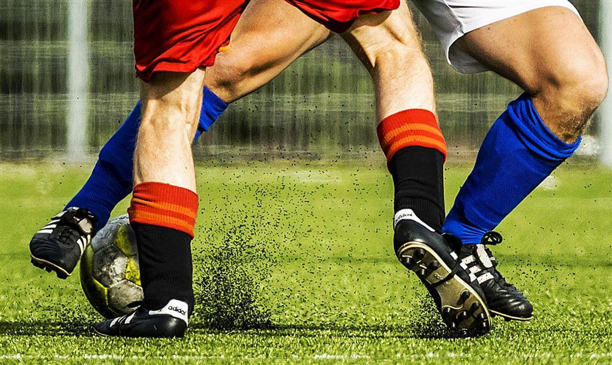 Afbeelding van Europa wil schonere rubberkorrels op kunstgras voetbalvelden