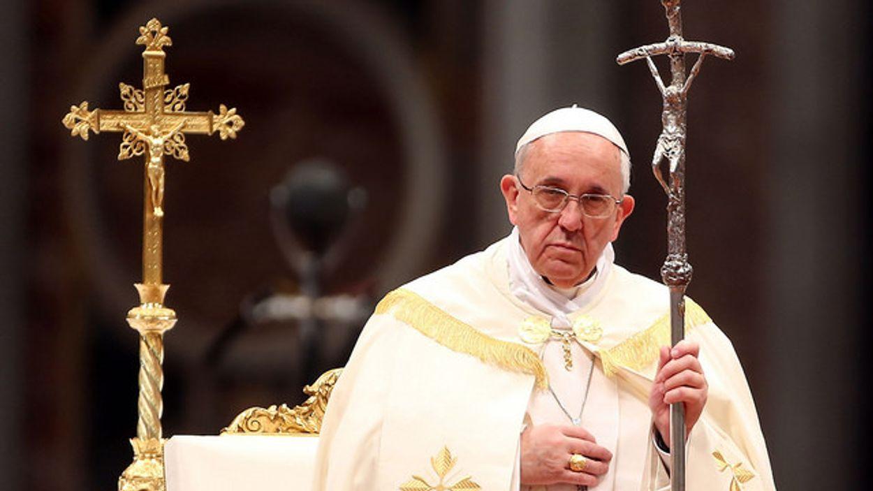 Afbeelding van Paus in lastig parket door brief over misbruikaffaire Chileense priester