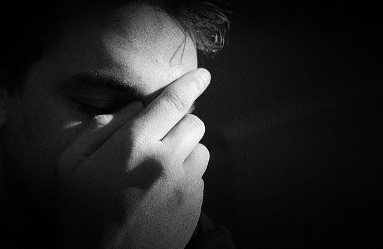 Afbeelding van Forse kritiek op zorgverzekeraar Menzis die behandeling depressie wil vergoeden op basis van resultaat