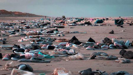 Afbeelding van 'Bizar': dit is slechts een fractie van de rotzooi van de containerramp [video]