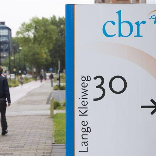 Afbeelding van Coalitiepartijen eisen onderzoek naar misstanden bij Belastingdienst en CBR