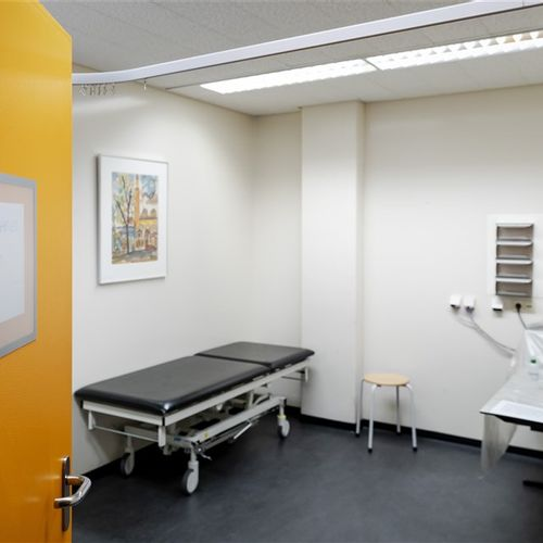 Afbeelding van Huisartsen: 'Niet geteste patiënten die overlijden aan corona ontbreken in sterftecijfer RIVM'