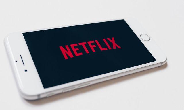 Afbeelding van 'Netflix ontwijkt miljoenen aan belasting via Nederland'